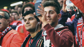 Asa ceva nu s-a mai intamplat NICIODATA pe un stadion! Moment superb pe Da Luz inainte de Benfica - Sporting