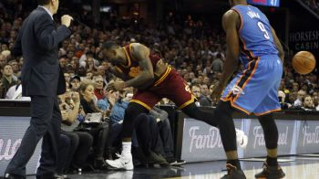 Scene infioratoare in NBA! LeBron a bagat in spital o spectatoare din primul rand dupa ce a cazut peste ea! Cum arata. VIDEO