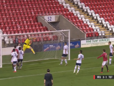 Gol minunat marcat de un wonder kid brazilian de la Manchester United: a inscris direct din corner in poarta lui Tottenham! VIDEO