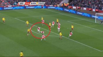 Faza de Fotbal la Maxx la golul egalizator al lui Burnley: Gibbs l-a faultat pe coechipierul Coquelin, iar oaspetii au marcat   VIDEO
