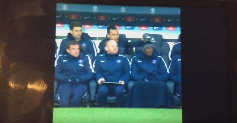 E Zlatan si face ce vrea el! Cum s-a distrat pe seama unui coleg in timpul meciului! VIDEO