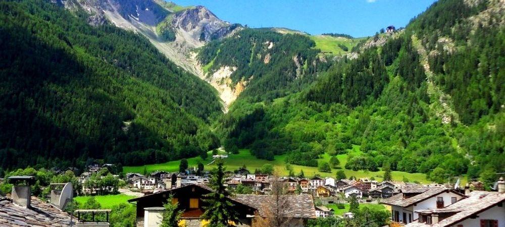 Nationala se muta in PARADIS inainte de EURO! Cantonament la poalele celui mai inalt varf din Muntii Alpi