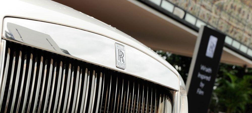 Aroganta acestui fotbalist de la Liverpool! Cine a coborat din acest Rolls Royce de 250.000 euro la antrenament. FOTO