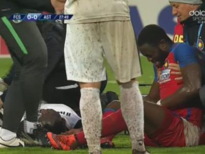 NU E BANC! Boubacar l-a lovit cu genunchiul intre picioare pe Sulley Muniru si a iesit accidentat de pe teren :)