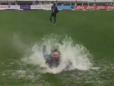 Faza zilei la Napoli! Cum a ajuns Higuain sa fie inghitit de ape la antrenament :) VIDEO
