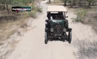 Calatoria vietii pentru doi olandezi! Ocolul pamantului cu o masina veche de 100 de ani