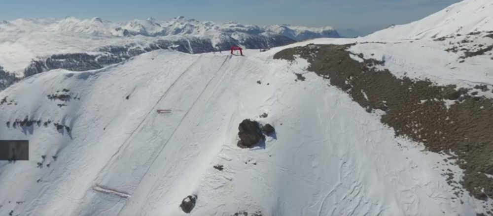 VIDEO MAGNIFIC! Un italian a batut recordul mondial la viteza pe schiuri! A prins 254.9 km/h