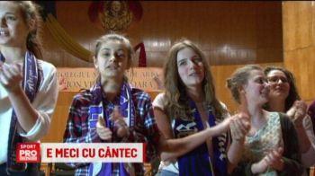 Strauss, la liceul de muzica din Timisoara :) Portarul lui ACS Poli a mers in vizita alaturi de colegi si a avut parte de o surpriza