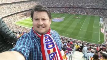 Imaginea saptamanii pentru romani in Champions League :) Ce a facut Mihai Bobonete pe Camp Nou la Barcelona - Atletico Madrid