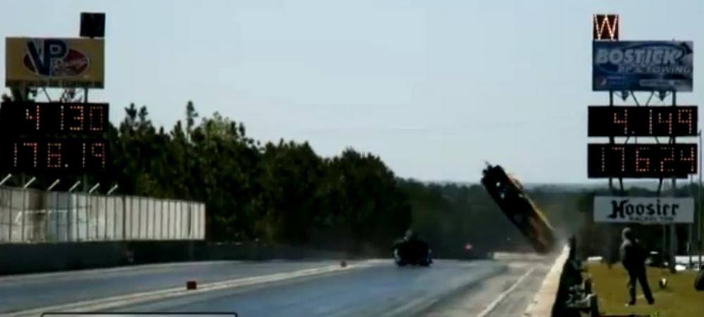 Accident INFIORATOR! Un pilot a murit dupa ce a DECOLAT cu aproape 300 km/h! Un fotograf e in stare critica la spital! VIDEO
