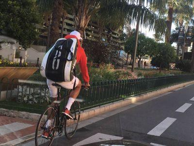 """""""Baiatul cu bicicleta e vecinul meu de bloc, Novak Djokovici"""" :) Mihaela Radulescu, impresionata de simplitatea numarului 1 din tenis in drumul spre un nou trofeu"""
