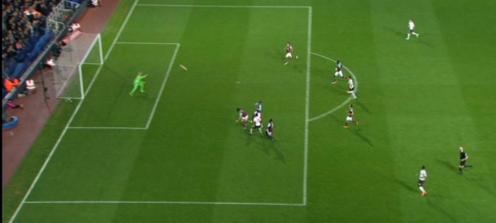 Gol senzational marcat de pustiul inventat de Van Gaal! Manchester United s-a calificat in semifinala Cupei dupa 2-1 cu West Ham. VIDEO