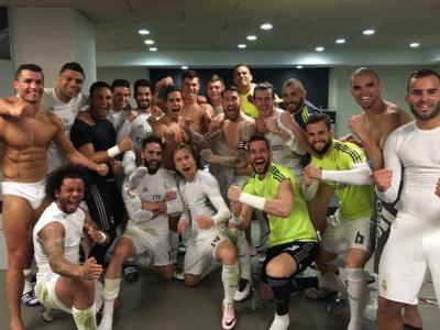 """Fotografia """"de vestiar"""" a Realului, copiata si de jucatorii Valenciei dupa 2-1 pe Camp Nou! Cum s-au pozat """"Liliecii"""" dupa ce au rapus Barcelona"""
