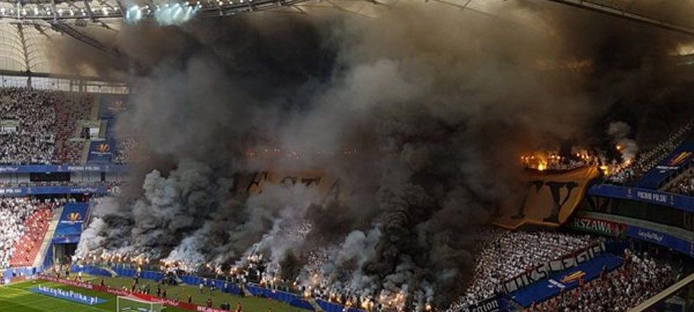 Imagini senzationale din Polonia! Fanii au declansat IADUL la finala Cupei dintre Lech Poznan si Legia Varsovia. VIDEO