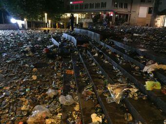 """Ce a ramas in urma celor 100.000 de englezi care au """"asediat"""" Baselul, la finala Europa League. Centrul orasului, transformat intr-o groapa de gunoi"""