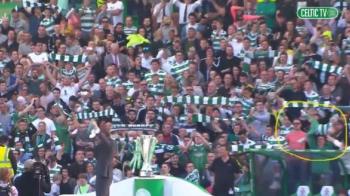 Imaginea saptamanii! Un fan Celtic si-a folosit copilul pe post de fular la prezentarea lui Brendan Rodgers! 14.000 de nebuni in tribune