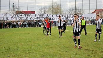 "Adio, ""U"". Universitatea Cluj a retrogradat in liga a treia, dar are sanse mici sa joace acolo in sezonul urmator: Tarlungeni 3-1 ""U"" Cluj"