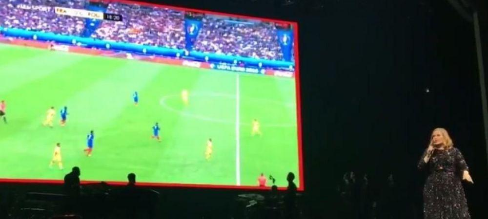Gestul COMPLET neasteptat facut de Adele in timpul concertului de aseara de la Paris! S-a oprit din cantat si s-a uitat la meciul Romaniei