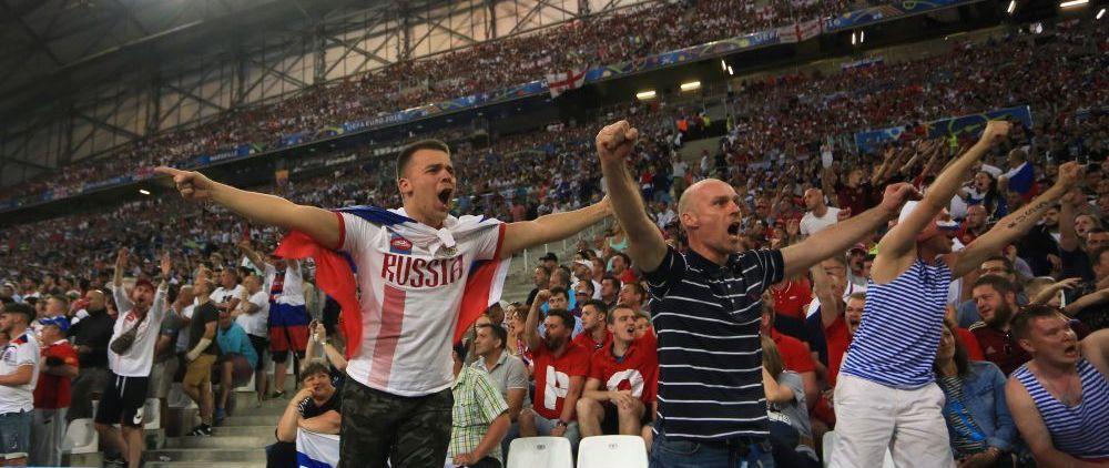 """VIDEO GROTESC! Rusii au atacat pe stadion dupa finalul meciului cu Anglia. Comentatorul francez: """"Scene CATASTROFALE"""""""
