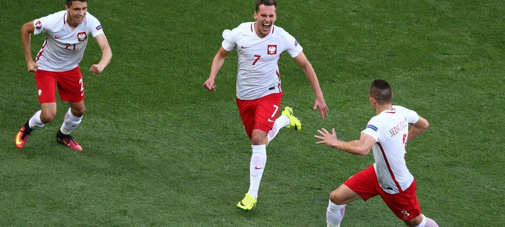 Golul cu care noua senzatie a Poloniei si a Ajaxului, Milik, i-a adus victoria echipei sale in meciul cu Irlanda de Nord. VIDEO