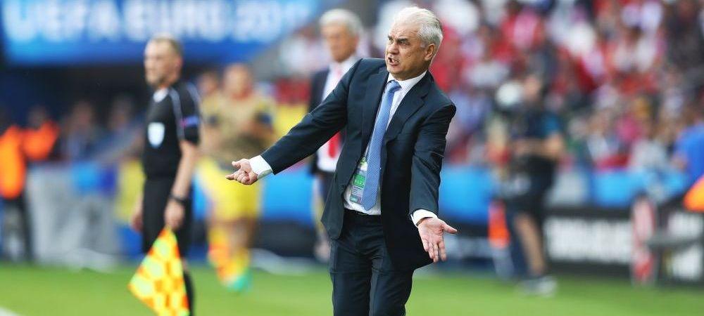 A dat ca RONALDINHO! NO LOOK PASS pentru Iordanescu, fanii l-au aplaudat la Paris! VIDEO
