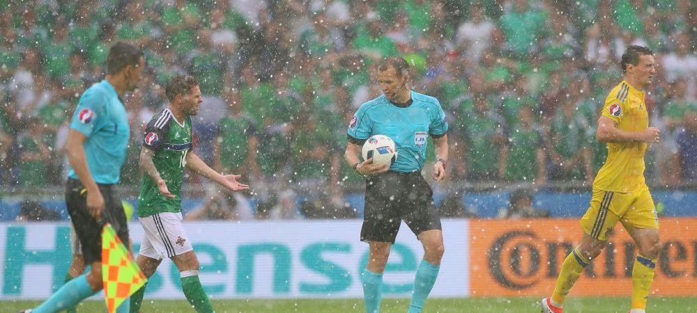 """Ne arbitreaza OMUL GRINDINA. Kralovec poate pastra """"traditia"""" de 1 penalty pe meci pentru Romania :)"""
