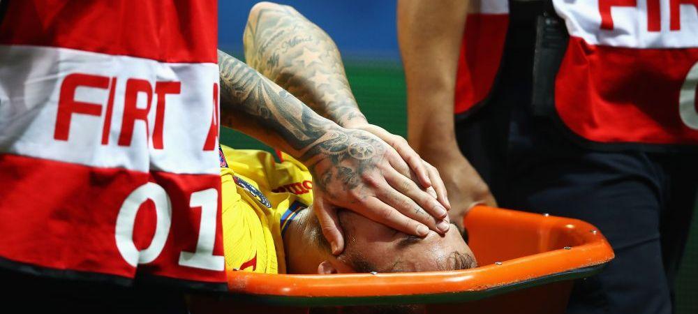 Dramatic: Denis Alibec, scos pe targa din stadion dupa accidentarea din meciul cu Albania. Atacantul, suspect de o ruptura a ligamentelor genunchiului
