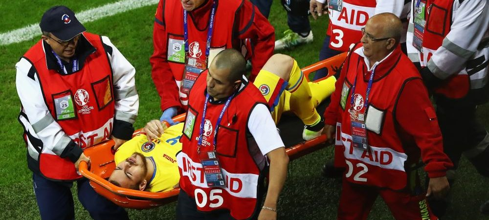 Momente dramatice pentru Alibec! Atacantul a iesit de pe teren in minutul 57 si e suspect de ruptura de ligamente la genunchi