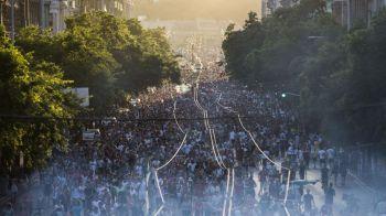 IMAGINI SENZATIONALE de pe strazile din Budapesta! 20.000 de oameni au blocat capitala Ungariei dupa calificarea in optimi la Euro