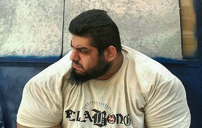 Incredibilul Hulk exista cu adevarat! E socant cum arata acest barbat cand renunta la tricou | FOTO