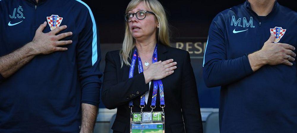 """""""Ronaldo, ai grija sa nu te scoata o femeie de la Euro!"""" Ea este """"Matusa Iva"""", singura femeie implicata in meciurile campionatului european. Povestea AICI"""