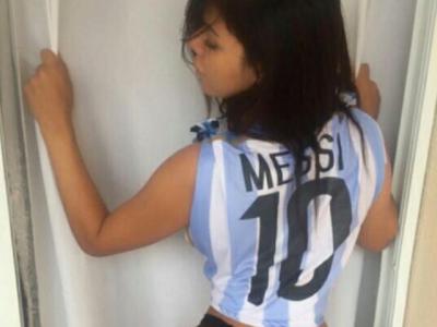 Ultima solutie pentru a-l convinge pe Messi sa revina :) Miss BumBum Brazilia il roaga pe argentinian sa continue la nationala. Cum arata aceasta