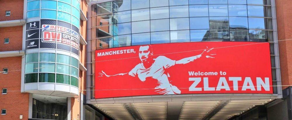"""""""Manchester, bine ai venit la Zlatan!"""" Aroganta uriasa a celor de la United fata de rivalii de la City. Unde au plasat acest afis"""
