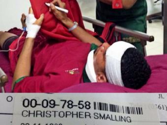 Imaginea care l-a speriat astazi pe Mourinho: Chris Smalling a ajuns in spital, in vacanta din Indonezia. Ce s-a intamplat FOTO