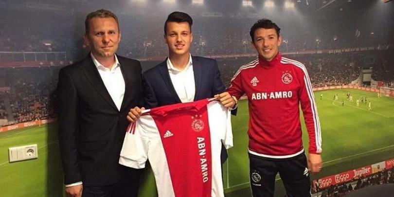 Un roman, pe urmele lui Chivu: capitanul Romaniei U17 a semnat cu Ajax, dupa doi ani la una dintre academiile lui Arsenal