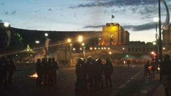Sarbatoare pe Stade de France, BATAI pe strazi! Imagini incredibile cu gaze lacrimogene si TUNURI cu apa! Politia s-a batut cu fanii. VIDEO