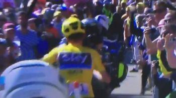 MOMENT INCREDIBIL in Turul Frantei! De ce a ajuns liderul mondial sa ALERGE ca disperatul fara bicicleta printre fani. VIDEO