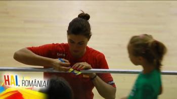 "Hai, Romania | ""In clasa a patra eram un mic baietel, ma bateam cu colegii"" Ea e INIMA nationalei de handbal, care se bate pentru un AUR istoric la Rio"