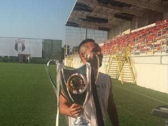 Tribune pline, fani in delir! :) Jucatorii Astrei au prezentat trofeul Supercupei in fata a 12 suporteri