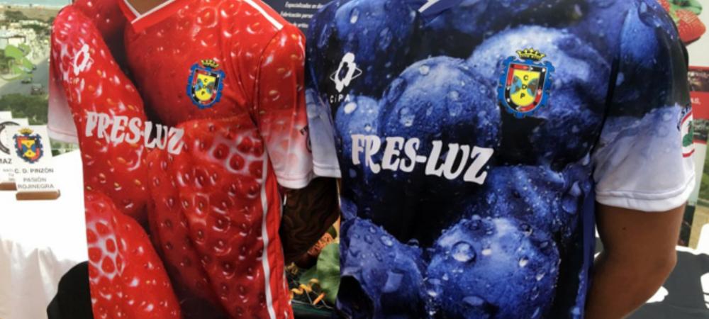 FOTO GENIAL! Asta e echipa CAPSUNARILOR romani din Spania :) Ce tricouri senzationale si-au facut pentru noul sezon