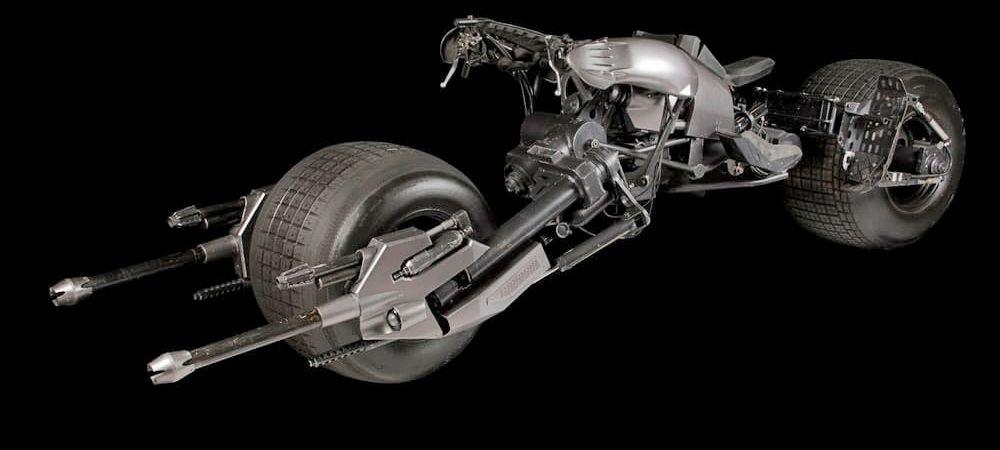 Motocicleta lui Batman este cat se poate de reala si a fost scoasa la vanzare! Cat poate sa coste