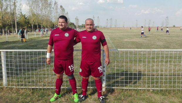 Inaintea noului sezon din Las Fierbinti, Bobonete a inceput sezonul in Liga a 5-a:echipa lui are acelasi sponsor ca NATIONALA :)