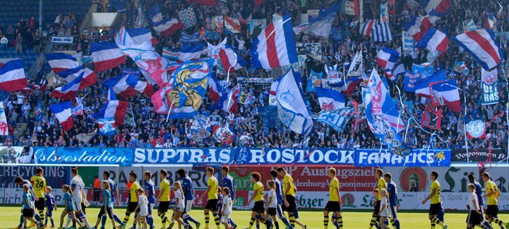 Imagine socanta in Germania! Ce banner au afisat fanii Hansei Rostock la 15 ani de la atentatele din SUA. FOTO
