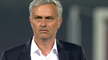 """""""Van Gaal in deghizare!"""" Mourinho, facut PRAF de englezi dupa infrangerea cu Feyenoord! Pogba, dat disparut! VIDEO"""