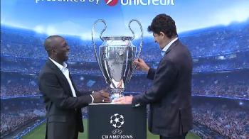 Imagini spectaculoase cu trofeul Champions League la Bucuresti, adus de Belodedici si Makelele