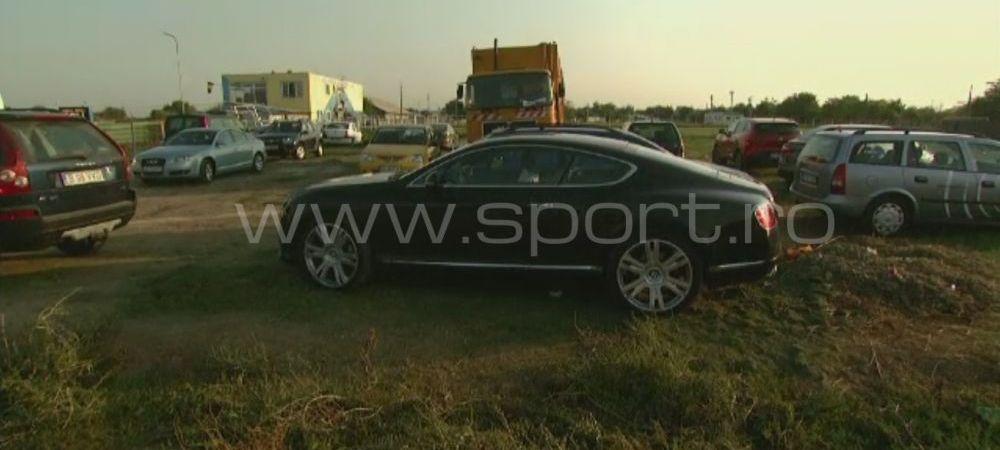 Aparitie uluitoare in Liga a 3-a din Romania. Cine a venit la meci in acest Bentley de 200.000 de euro - FOTO