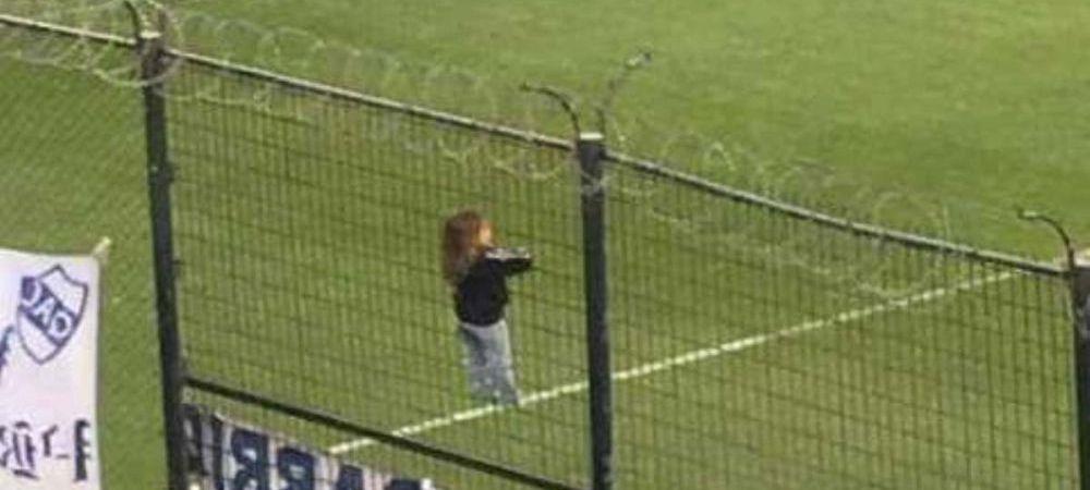 FOTO FABULOS! Imaginea anului in fotbalul din Argentina! De unde vedea meciul acest copil
