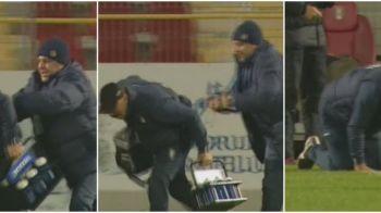 Gest incredibil al lui Sumudica in finalul meciului cu Dinamo: plin de nervi, antrenorul l-a TAVALIT pe doctorul echipei. FOTO