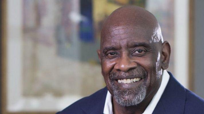 """""""Homeless-ul"""" ajuns milionar! Cum a reusit acest barbat sa adune 60 de milioane de dolari dupa ce a dormit prin parcuri si gari"""