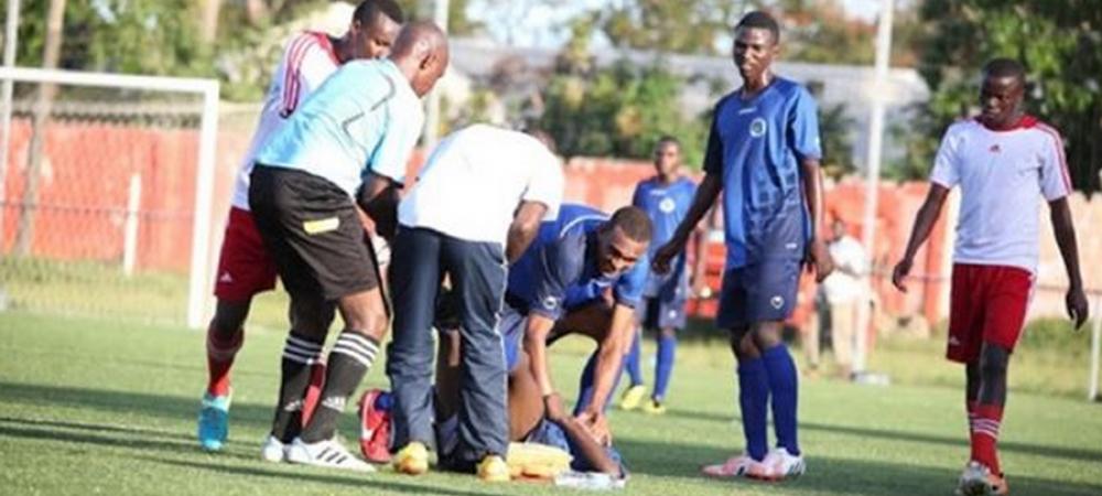 Tulburator: un nou caz Ekeng in 2016. Un fotbalist din Africa a murit pe teren, la doar cateva minute dupa ce marcase. VIDEO